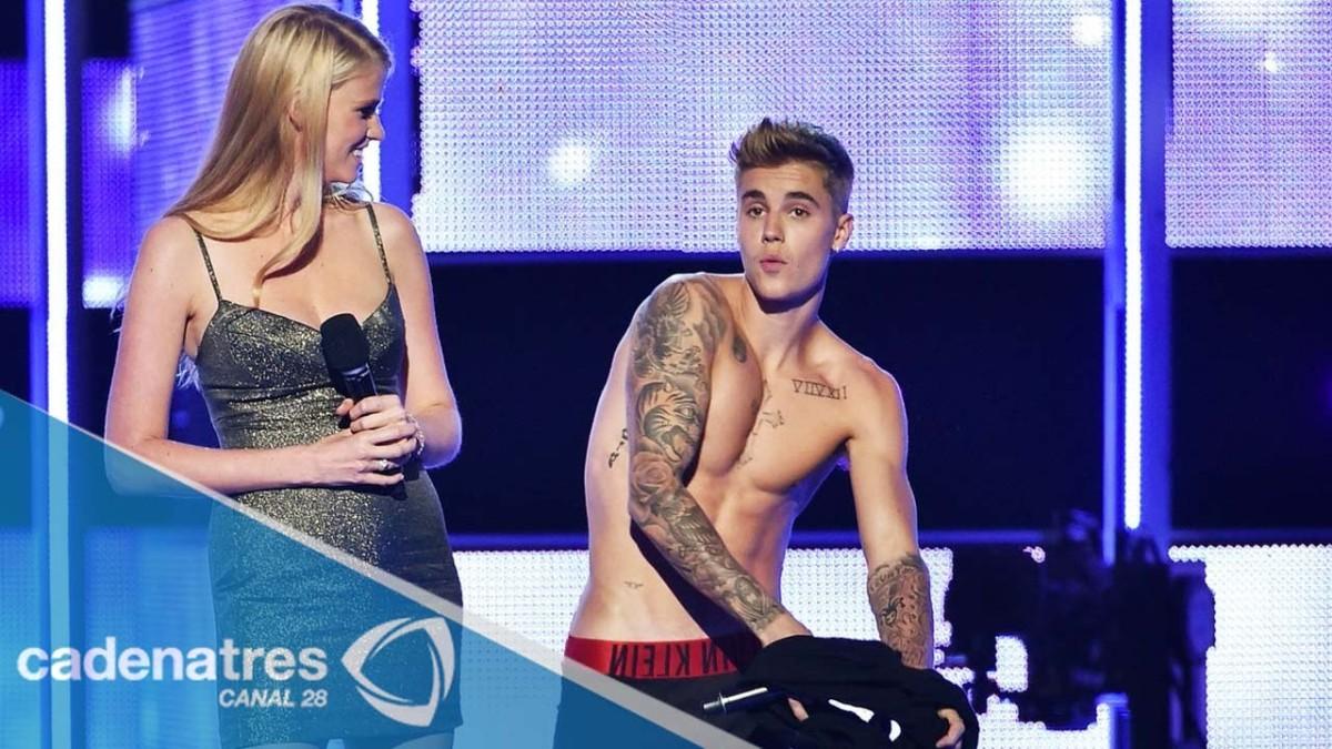 Justin Bieber Se Desnuda En El Fashion Rocks 2014 Justin Bieber